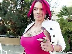 Sexy Anna Bell Peaks Shows Her Huge Tits 1