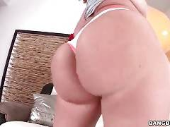 Kelly Divine Is Shaking Her Meaty Booty 1