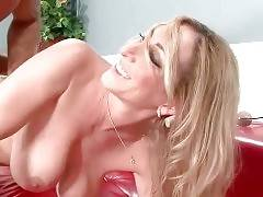 Muscled Stud Furiously Drills Curvaceous Milf 3